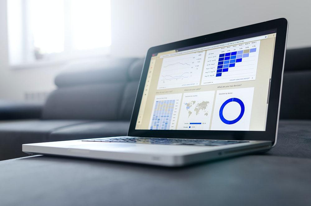 google analytics in laptop